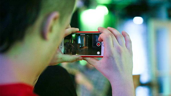 Ролик стеснение на камеру бесплатно онлайн